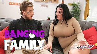 Banging Family - I Nails my Girlfriend's Busty Mummy