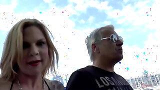 Mia de Berg liebt Sperma im Gesicht